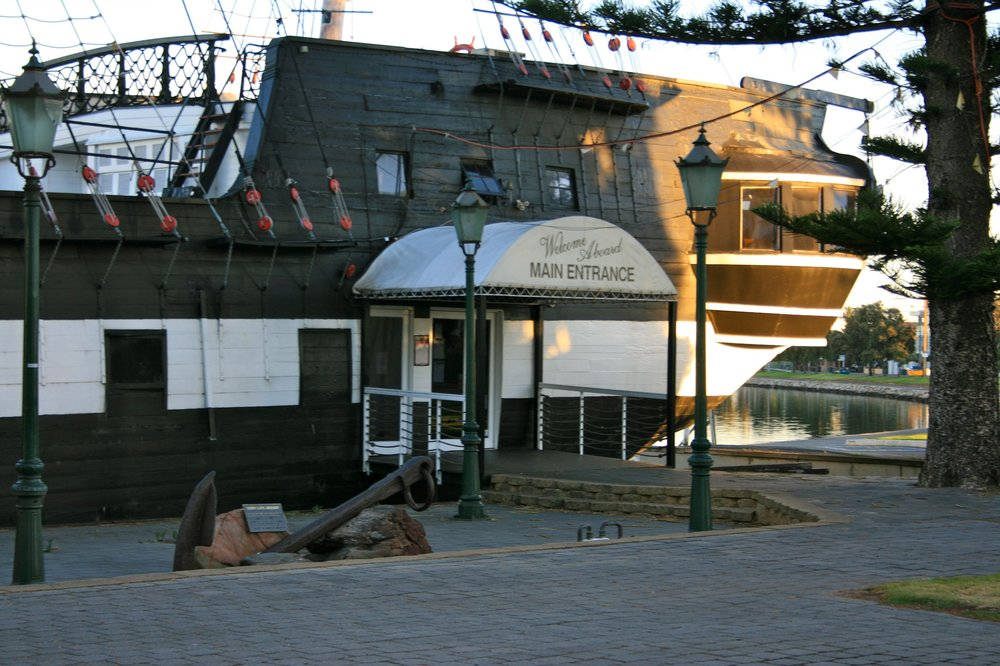 the buffalo restaurant main entrance